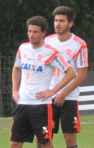 Elano, Mattheus e Léo flamengo treino (Foto: Thales Soares)