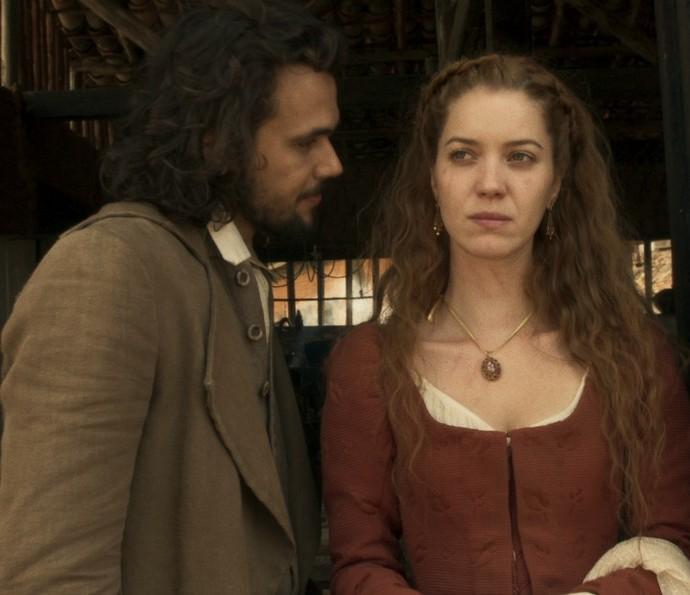 Xavier ouve sobre arranhões de Branca (Foto: TV Globo)