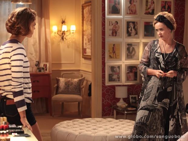Bárbara diz para Amora o que pensa sobre sua relação Bento (Foto: Sangue Bom/TV Globo)