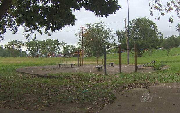 Praça Zagury abandonada (Foto: Reprodução/TV Amapá)
