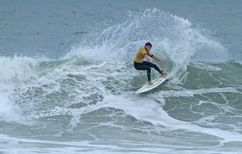 Garantido no mundial, Kim faz última prova no A Tribuna de Surfe Colegial