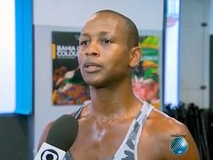 Bailarino Reinaldo Pepê Santos é achado morto dentro de casa em Salvador (Foto: Reprodução/TV Bahia)