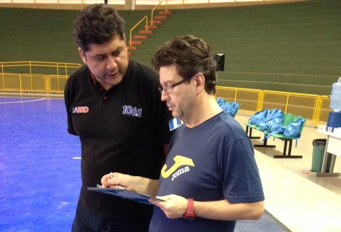 Tomás de Dios técnico Guatemala futsal (Foto: Felipe Santos)