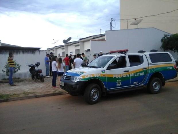Corpo estava em apartamento da Zona Norte de Vilhena (Foto: Carlos Franco - Extra de Rondônia)