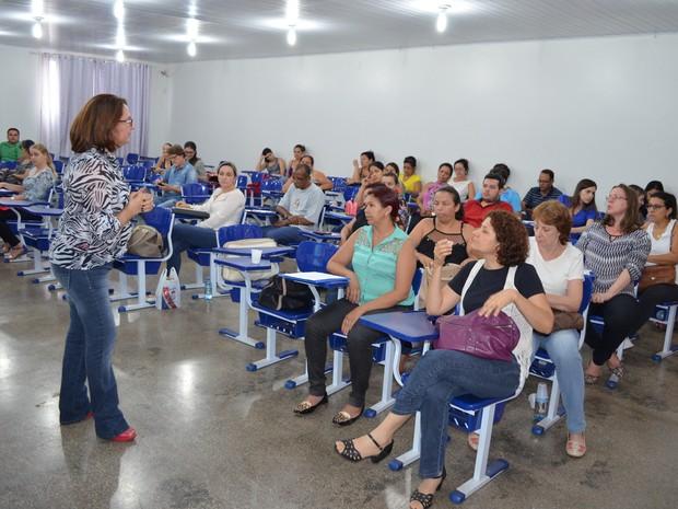 Profissionais da Saúde estão sendo capacitados para lidar com o paracoco. (Foto: Rogério Silva)
