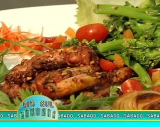 Confira o segredo para o polvo não ficar borrachudo depois de cozido. (Foto: Reprodução Rio Sul Revista)