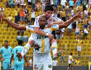Felipe Ferro, do Novorizontino, contra o Guaçuano (Foto: Wiliam Bras de Lima / Novorizontino)