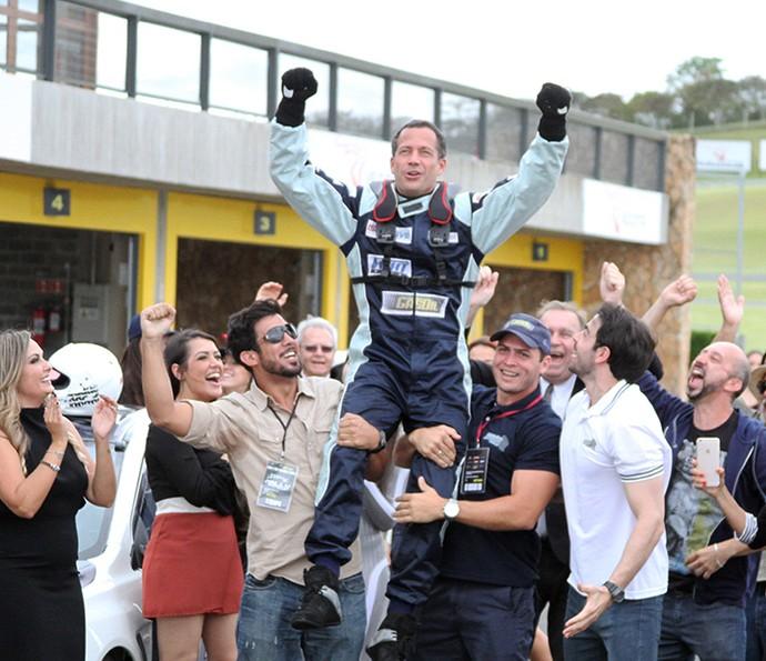 Apolo vence a corrida e se torna o campeão da temporada (Foto: Mauro Medeiros/Globo)