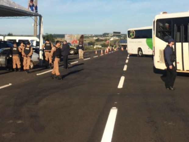 Além da praça de pedágio, fiscalização será realizada no Lago de Itaipu, estradas rurais e nas pontes da Amizade e Tancredo Neves (Foto: Receita Federal / Divulgação)