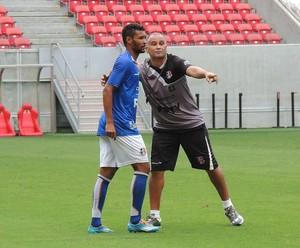 Oliveira Canindé e Bileu Santa Cruz (Foto: Lucas Liausu)