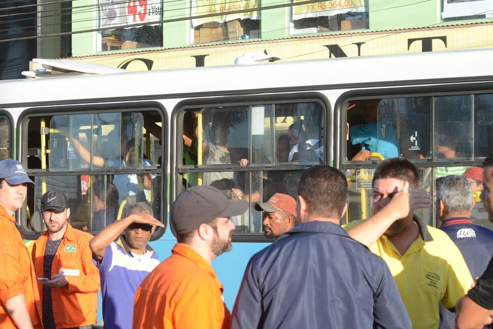 Ônibus circularam normalmente durante ato na Grande Vitória (Foto: Carlos Alberto Silva/ A Gazeta)