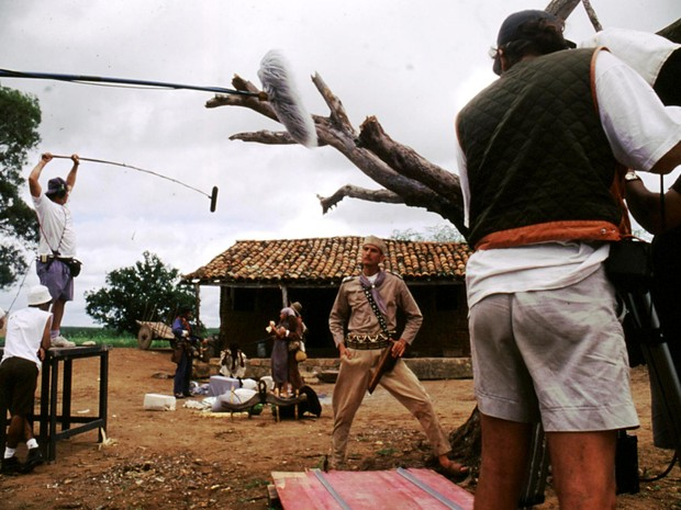 Filmagem de Baile perfumado, de Paulo Caldas e Lírio Ferreira, atração do último dia do Festival de Cinema de Brasília (Foto: Fred Jordão/Divulgação)
