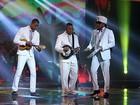 Finalista, Romero Ribeiro canta com Carlinhos Brown e Dudu Nobre