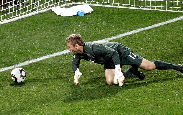Robert Green frango gol EUA (Foto: AP)