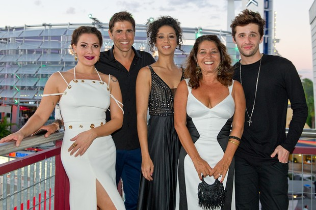Elenco do filme SOS Mulheres ao Mar 2 (Foto: Mariana Vianna / Divulgação)