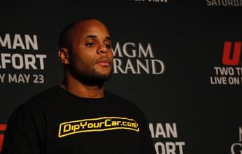 Lesão de Cormier adia planos do UFC para luta contra Alexander Gustafsson