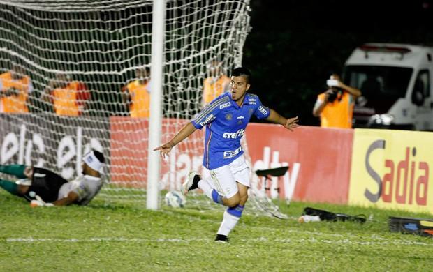 Cristaldo, gol Palmeiras x Vitória da Conquista (Foto: Eliezer Oliveira / Ag. Estado)