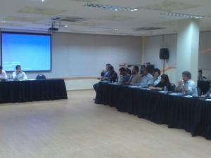 Representantes de órgãos ambientais se reúnem em hotel na Jatiúca (Foto: Waldson Costa/G1)
