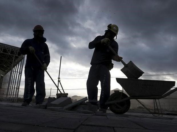 Economia brasileira terminou o ano de 2015 em recessão. (Foto: REUTERS/Pawel Kopczynski)