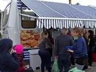 Feirante de Mogi cria ônibus itinerante para vender hortifrutis