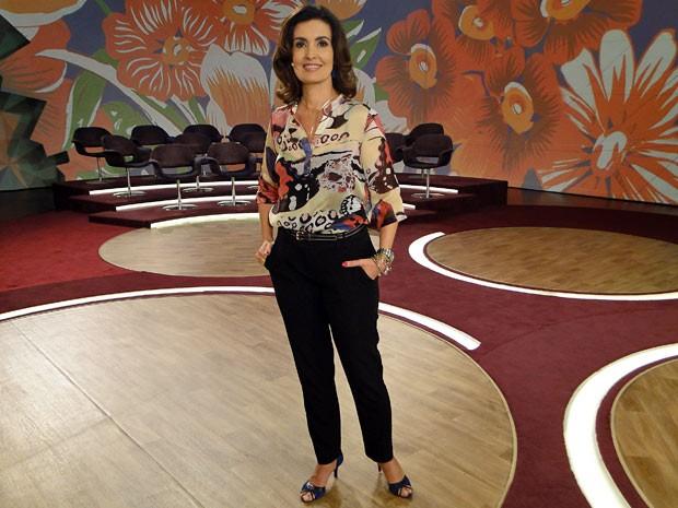 Fátima investiu nas estampas gigantes para apresentar o Encontro (Foto: Encontro com Fátima Bernardes/TV Globo)