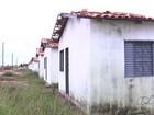 Casas populares são danificadas pelo tempo e por vândalos em Goiás