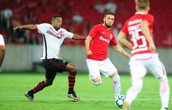 Léo Ortiz dá assistência, salva em cima da linha e aprova na estreia pelo Inter