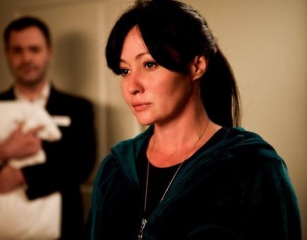 """Shannen Doherty em um de seus trabalhos mais recentes para a TV, a série """"Suite 7"""", de 2011 (Foto: Divulgação)"""
