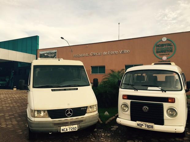 Uma Van e uma Kombi irão ajudar no transporte dos pacientes com câncer (Foto: HCB/Divulgação)