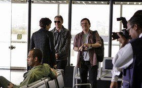 Herson Capri e Tainá Müller gravam reta final de Insensato Coração no aeroporto