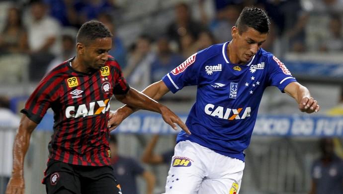 Deivid; Atlético-PR; Marciel; Cruzeiro (Foto: Washington Alves/Light Press)