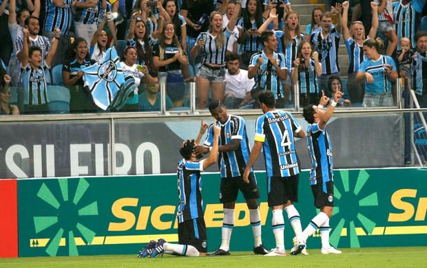 Marcelo Oliveira comemora gol do Grêmio contra o Caxia