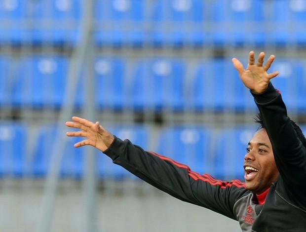 Robinho no treino do Milan (Foto: AFP)