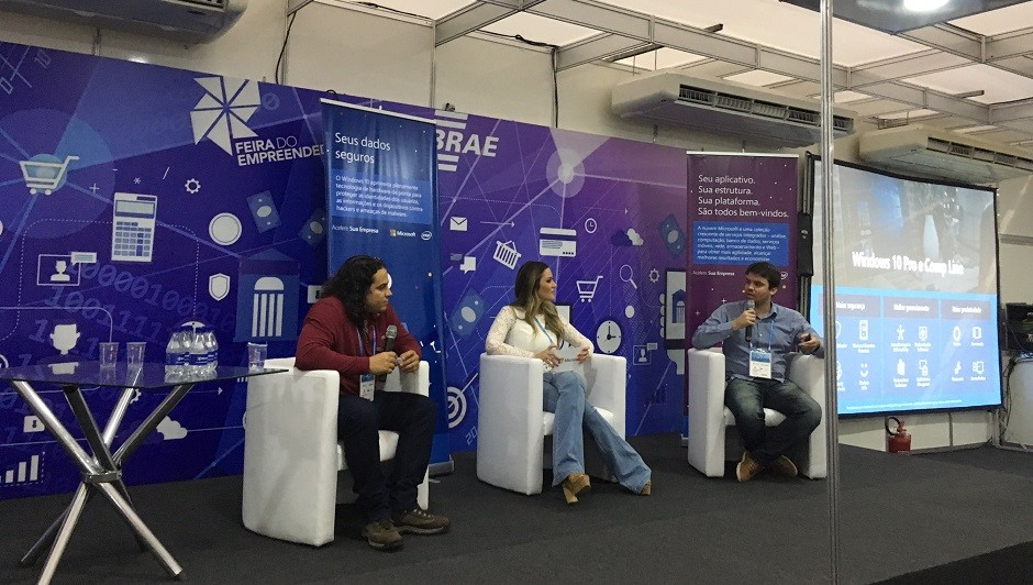 Luís Gonzaga da Comp Line (esq.), Patrícia Meirelles (centro) e João Guimarães da Microsoft durante o painel sobre riscos digitais (Foto: Caio Patriani)