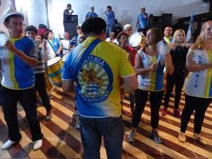Bateria 'Bafo dos Leões' promete animar escola na avenida (Foto: Fernando Castro/ G1)