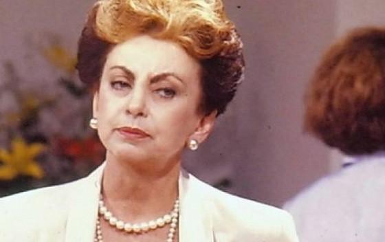 Odete Roitman, a clássica vilã vivida por Beatriz Segall, será evocada por Irene Ravache na nova novela das 7 (Foto: Reprodução/ TV Globo)