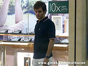 Martin fica sozinho no shopping (Foto: Malhação/TV Globo)