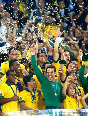 Brasil taça Confederações comemoração (Foto: Reuters)