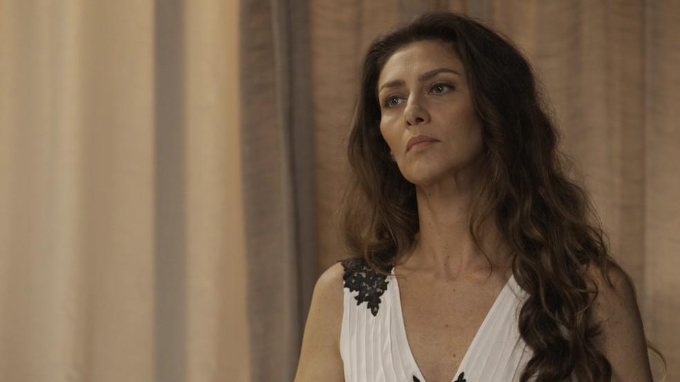 Joyce não perde a oportunidade de alfinetar o marido (Foto: TV Globo)