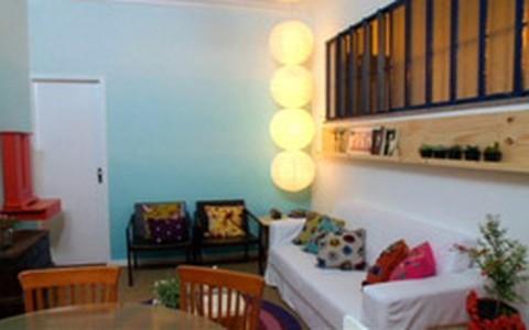 Antes e depois: sala do casal que adora dar festinhas em casa