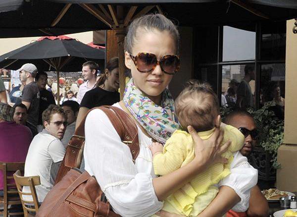 Jessica Alba e a filha Honor Marie Warren (Foto: Getty Images)