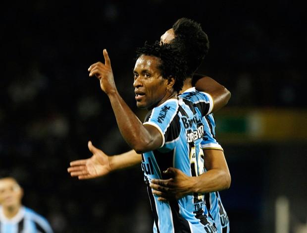 Zé Roberto gol Grêmio x Huachipato (Foto: AP)