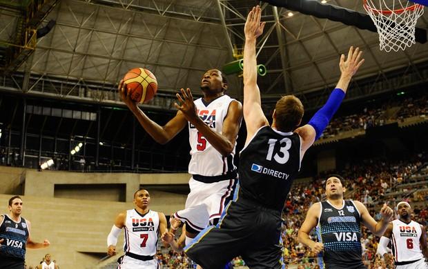 basquete Kevin Durant e Andres Nocioni (Foto: Getty Images)