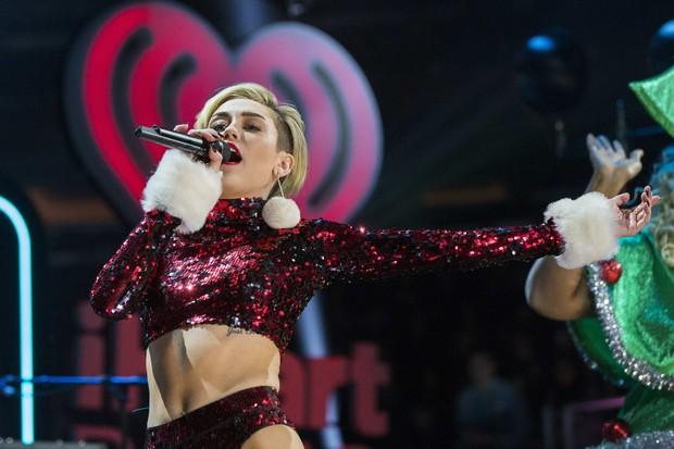 Miley Cyrus se apresenta no Jingle Ball, em Nova York (Foto: Reuters)