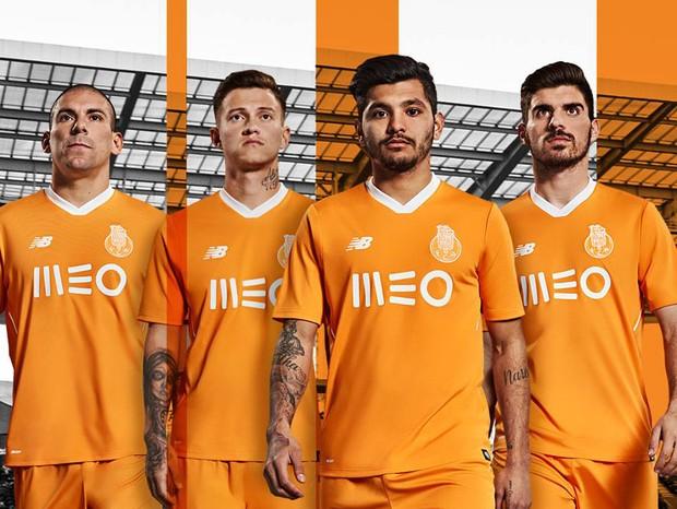 O segundo uniforme do Porto nessa temporada é um erro  (Foto: reprodução )