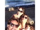 Anamara faz selfie com Rodrigo Silva e a filha do ex-BBB