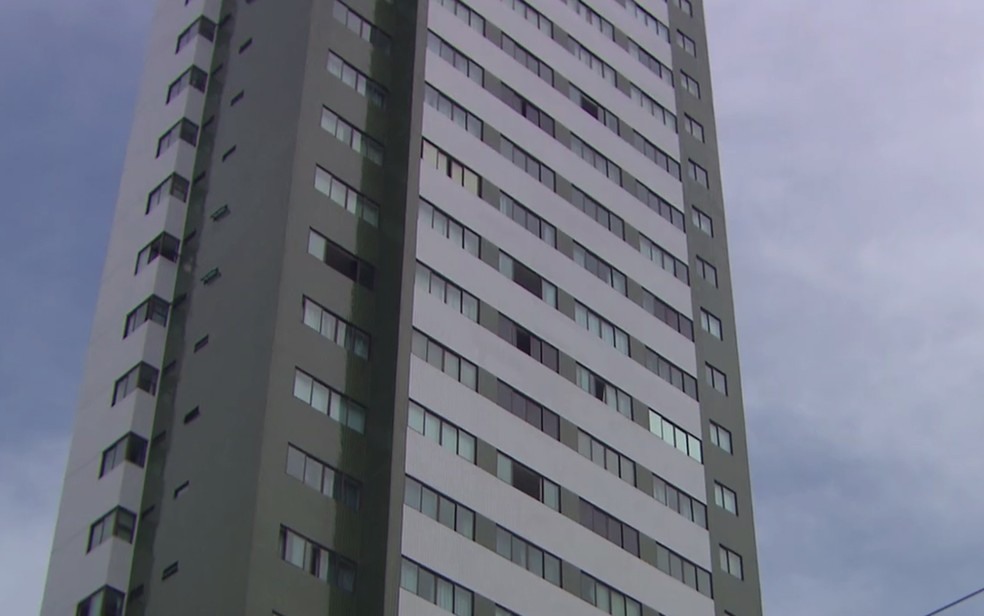 Flat onde Tássia Mirella foi assassinada pelo vizinho Edvan Luiz (Foto: Reprodução/TV Globo)
