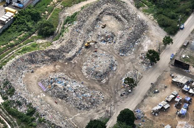 Imagem aérea do lixão de Avenida Brasil, em 2012 (Foto: Acervo Globo)