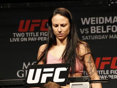 Nina Ansaroff pesagem UFC 187 (Foto: Evelyn Rodrigues)