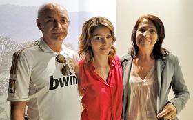 Fofa demais! Giselle Batista leva os pais para acompanhá-la nas gravações